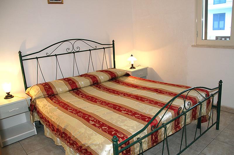 Appartamento sul mare con 3 camere da letto a torre pali for Capanna con 3 camere da letto