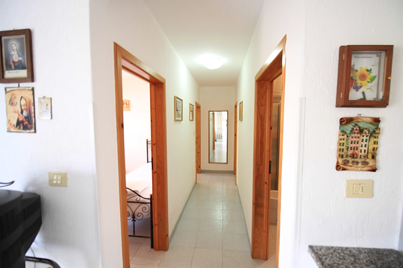 Appartamento con 3 camere da letto a posto vecchio for Casa con 3 camere da letto con cantina