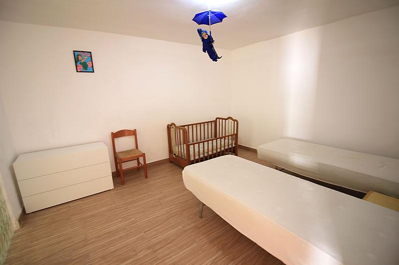 Appartamento con 2 camere da letto a torre vado for Capanna con 2 camere da letto