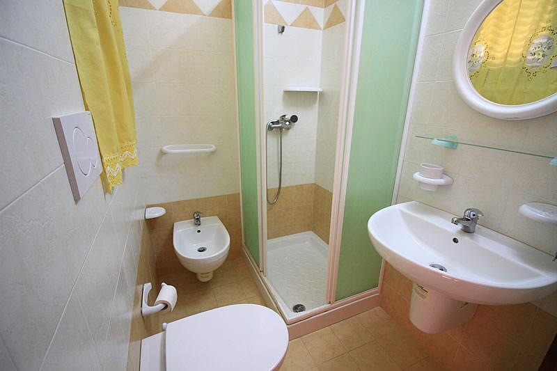 Casa vacanza in affitto con 3 camere da letto a posto for Capanna con 3 camere da letto