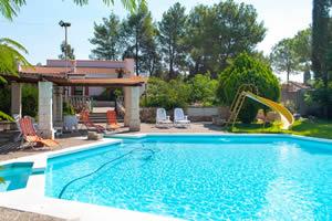 villa con piscina salento
